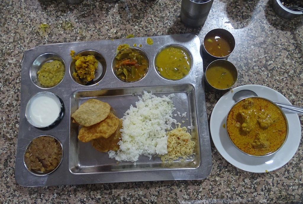 This is How South-Indian Thali (unlimited) and Mutton Curry at Andhra Pradesh/Telangana Bhawan Canteen (Delhi) Looks Like